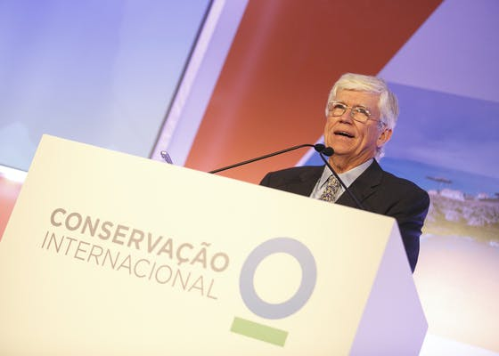Russ Mittermeier speaks at the CI gala in Sao Paulo