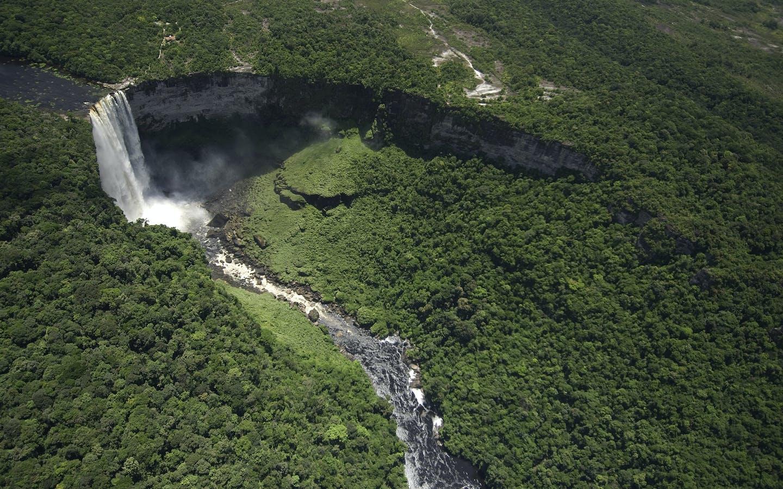 Aerial view, Kaieteur Falls