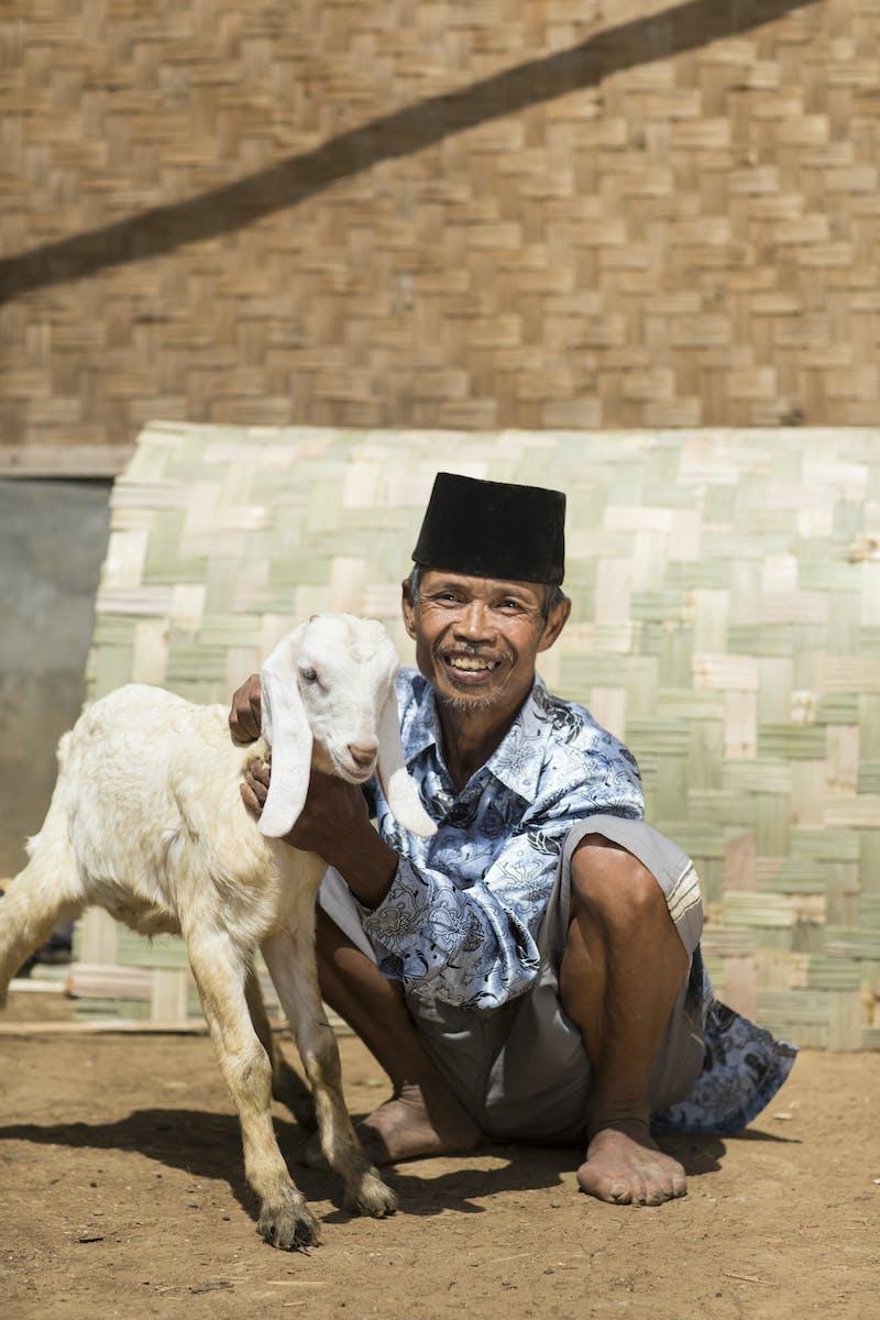 Pak Ahmud, age 60