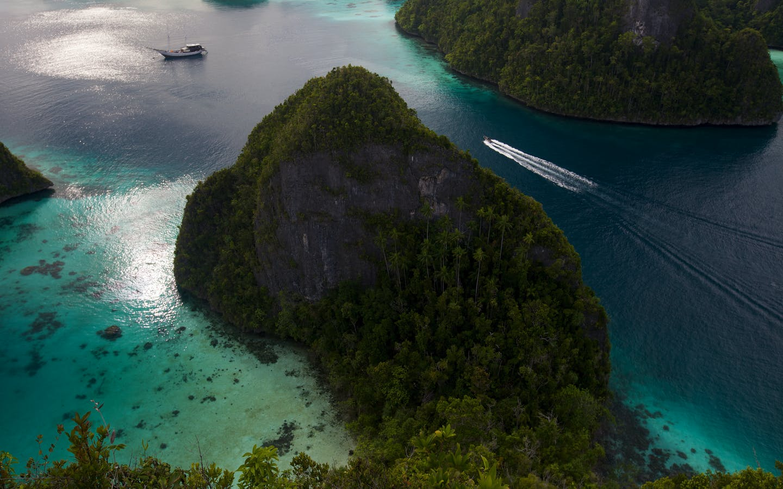 Wayag Lagoon, Raja Ampat, West Papua, Indonesia