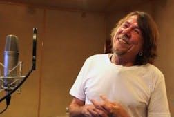 """Lenine recording """"O Céu"""""""