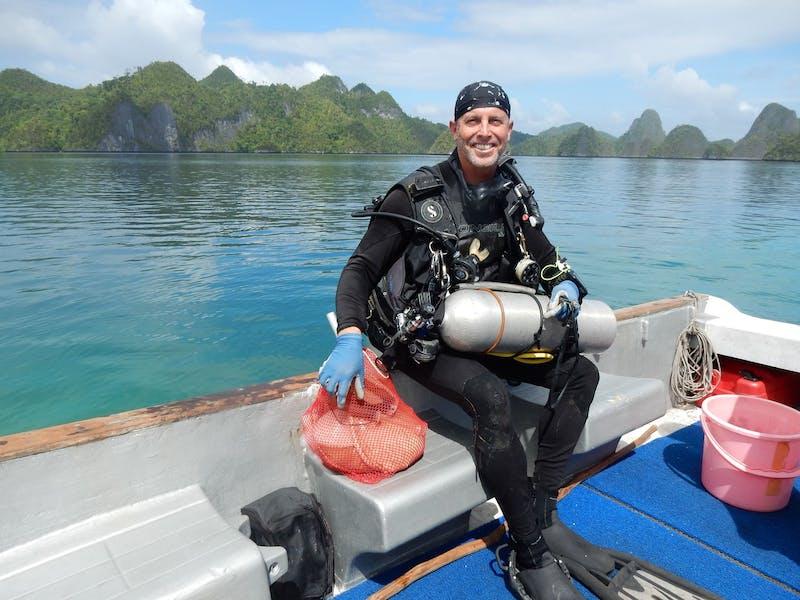 thumbnail_1 Wayag lagoon dive2